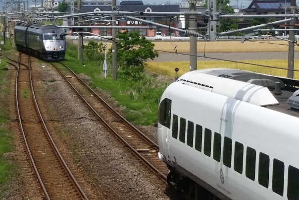 n-trains-a-20150524